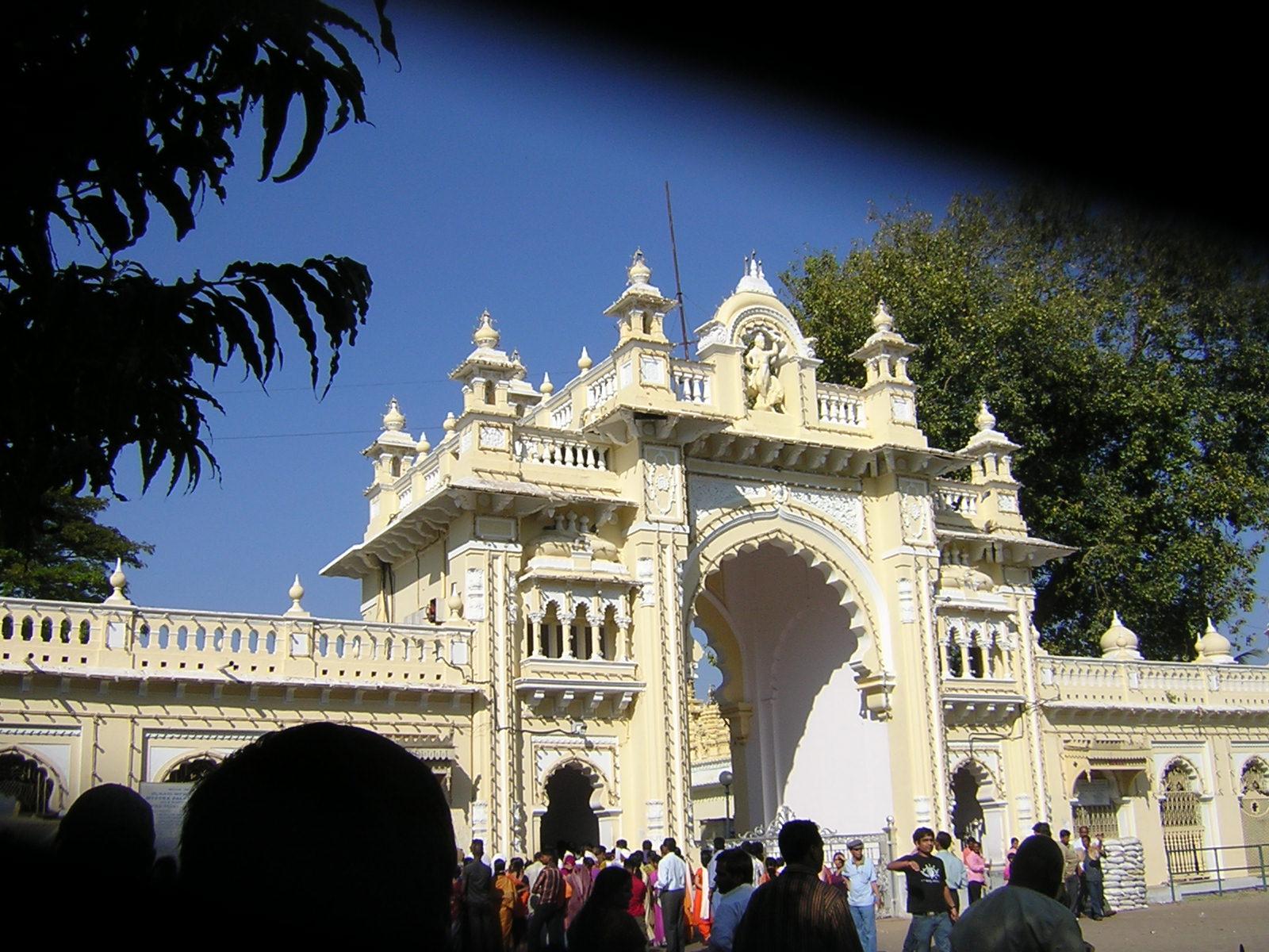 Palace gates, Mysore